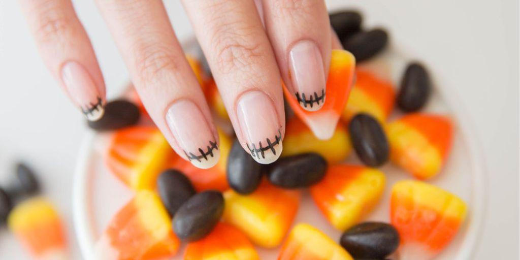 Preferenza Halloween: la nail art con la french da zombie per una notte  FE91