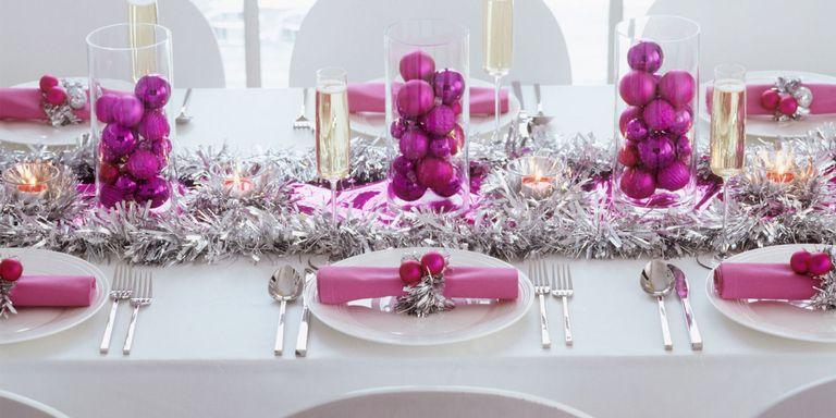 Sai già come apparecchiare la tavola di Natale? 28 idee per