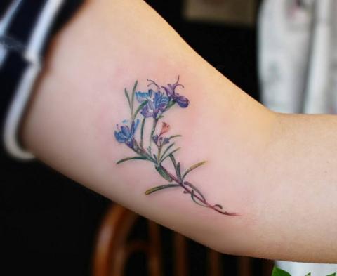 Tattoo Fiori 44 Ispirazioni Per Tatuaggi Che Sbocciano