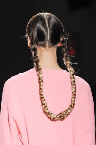 Ear, Hairstyle, Style, Earrings, Fashion, Hair accessory, Neck, Long hair, Jewellery, Back,