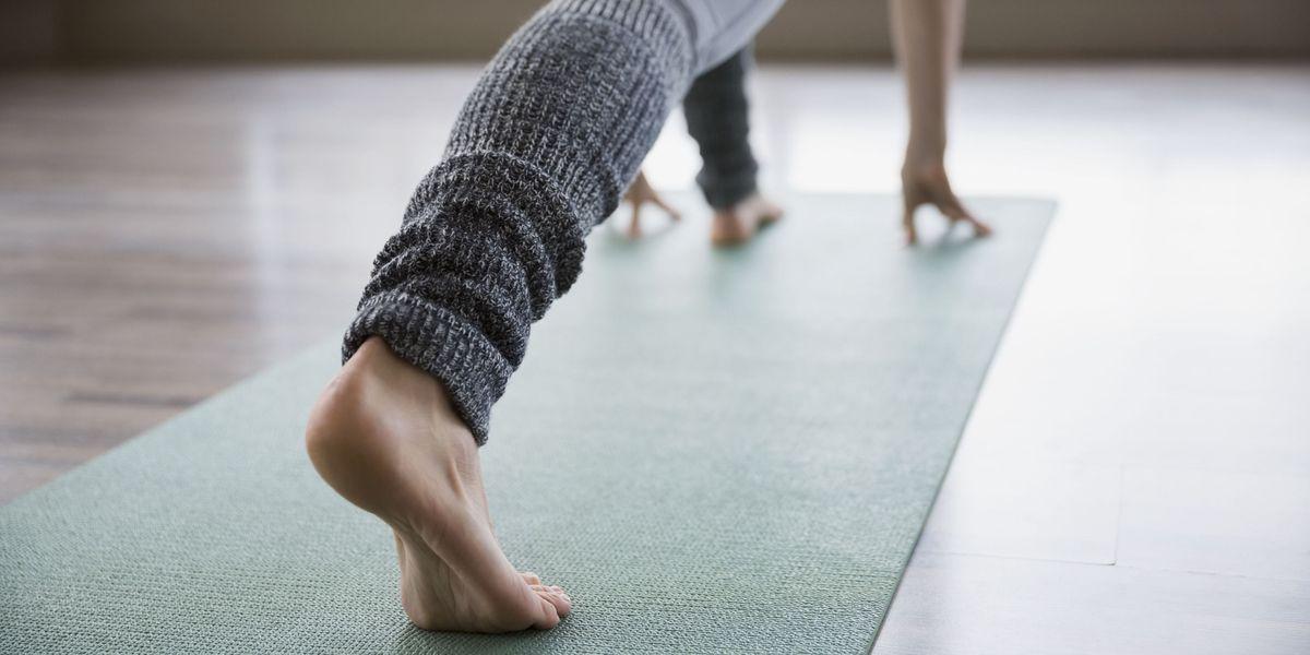 Bye bye cellulite! 90 posizioni di yoga per metterla fuori gioco