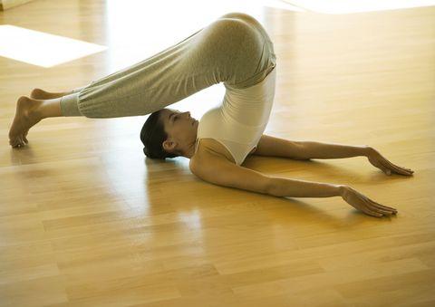 aratro posizione yoga