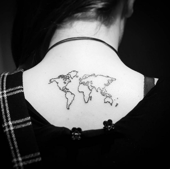 Cartina Mondo Tatuaggio.Travel Tattoo 36 Tatuaggi Per Chi Ama Viaggiare