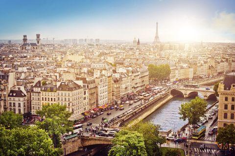 Metropolitan area, City, Urban area, Metropolis, Cityscape, Waterway, Tower, Town, Building, Landmark,