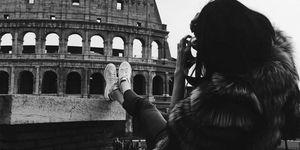 Poche ore fa Kendall Jenner ha postato su Instagram una sua foto davanti al Colosseo. Se sei in giro per Roma in questi giorni potresti incontrarla...