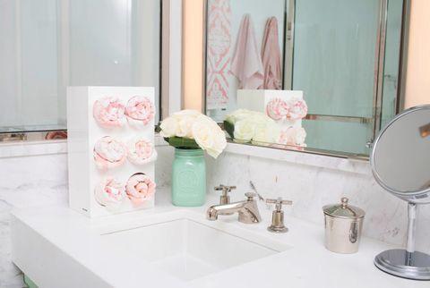 16 trucchi miracolosi per tenere ordinato il bagno