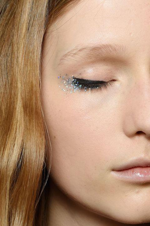 elle fanning glitter tears