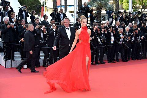 377bd30a2fbe Rosie Huntington-Whiteley a Cannes 2016. Getty Images. Il red carpet del  Festival di Cannes è uno dei più ...