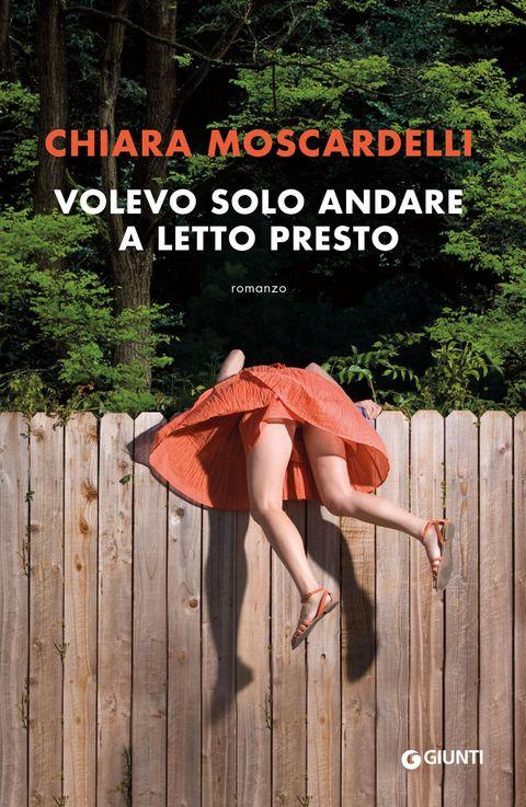 <p><strong>di Chiara Moscardelli (Giunti, € 14). </strong><br>Agata ha 35 anni, vive a Roma, lavora in una casa d'aste ed è simpaticamente nevrotica. Tutto nella sua vita procede normalmente finché non si imbatte, per lavoro, in un uomo che nasconde un mistero. Dopo la Chiara di <em>Volevo essere una gatta morta</em> e la Penelope di <em>Quando meno te lo aspetti</em>, Chiara Moscardelli da vita a un'altra strepitosa eroina ad alto tasso di identificazione.<br></p>