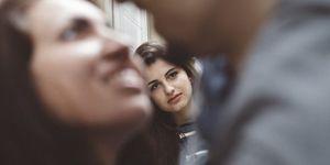 Scopri i segnali del tradimento emotivo e mentale