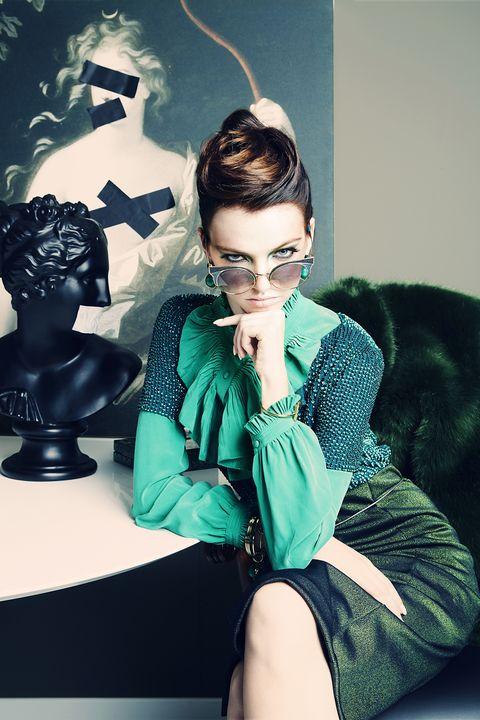 Eyewear, Style, Sitting, Fashion accessory, Fur, Earrings, Fashion model, Natural material, Model, Fashion design,