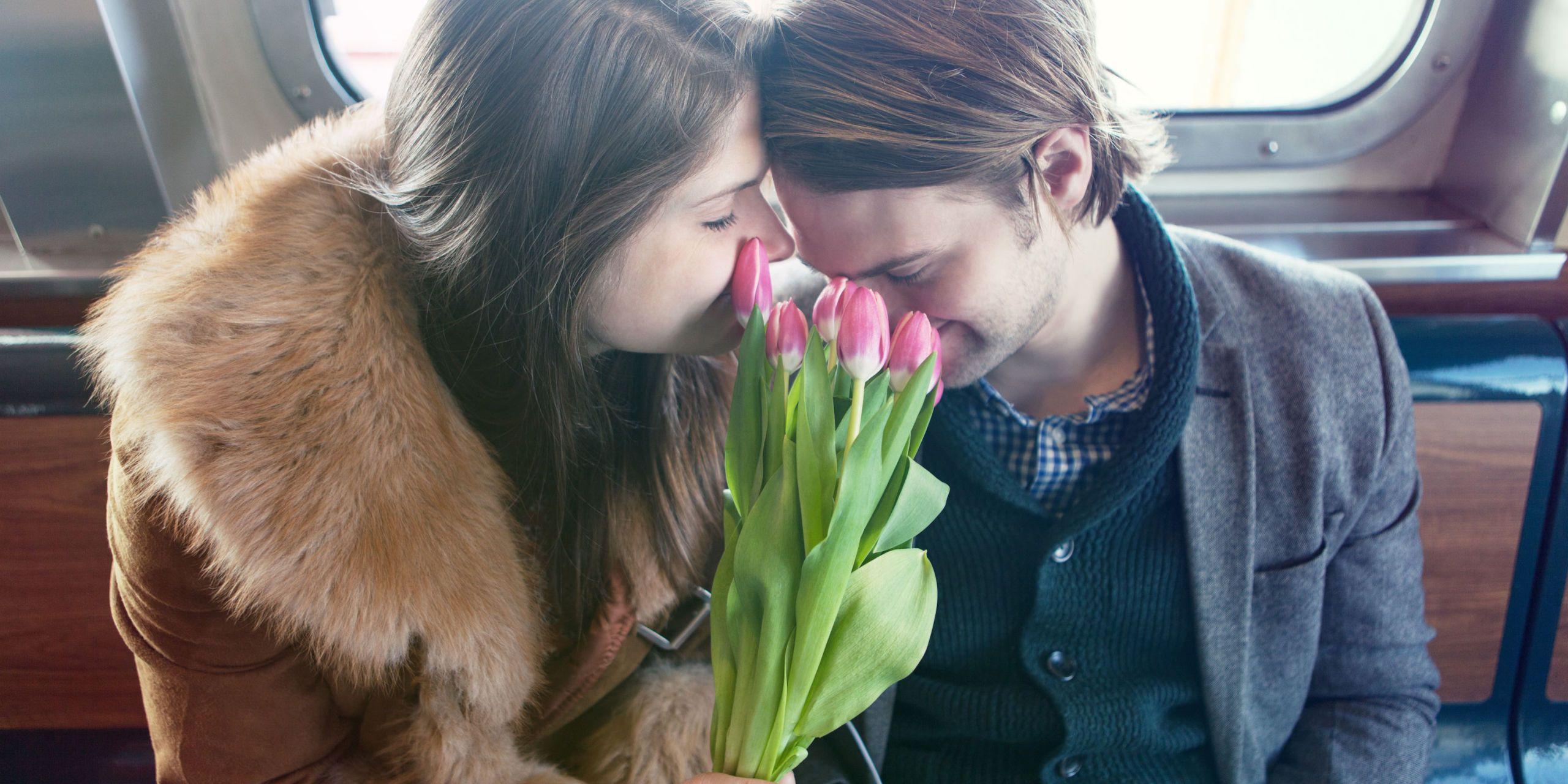 Ben noto 10 sorprese romantiche e un po' folli per lui o per lei QV27