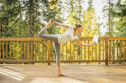 People in nature, Waist, Physical fitness, Barefoot, Active pants, Spring, Exercise, Dancer, Balance, Foot,
