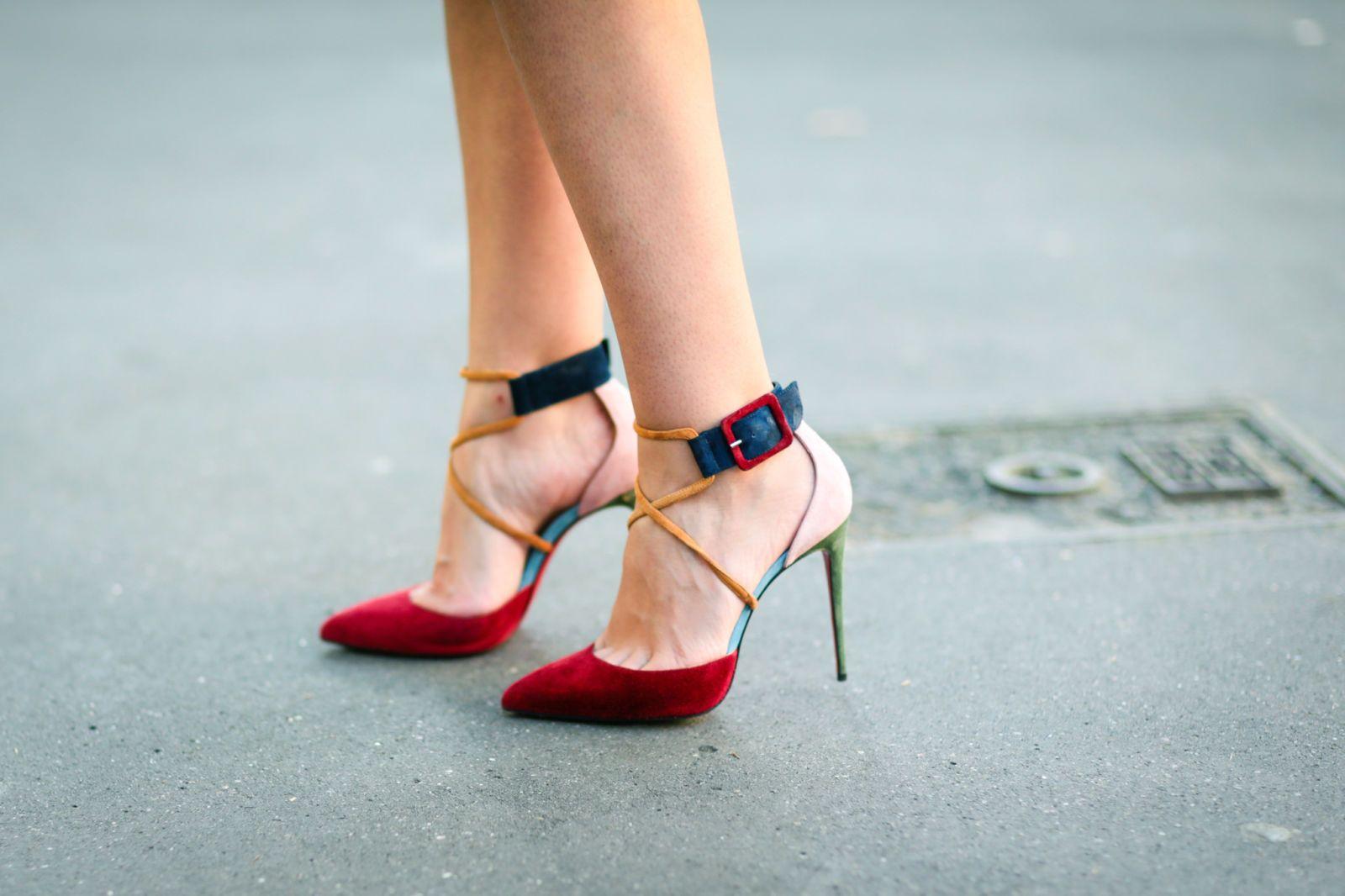 immagini scarpe louboutin