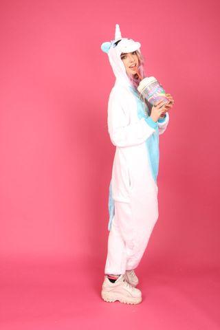 vendita calda online 4afb4 c4422 Kigurumi è la tuta intera a forma di animale con cui essere ...