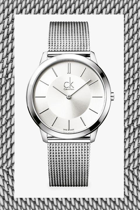 Il ritorno dell'orologio da donna con cinturino in maglia milanese è il nuovo bon ton, non solo per l'orologio digitale
