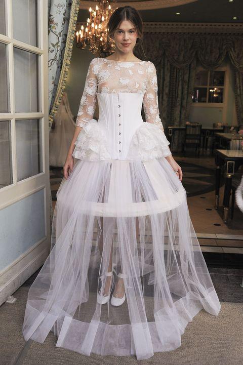 p Scelta eccentrica della stilista francese Delphine Manivet. L abito da  sposa dd77d225da5
