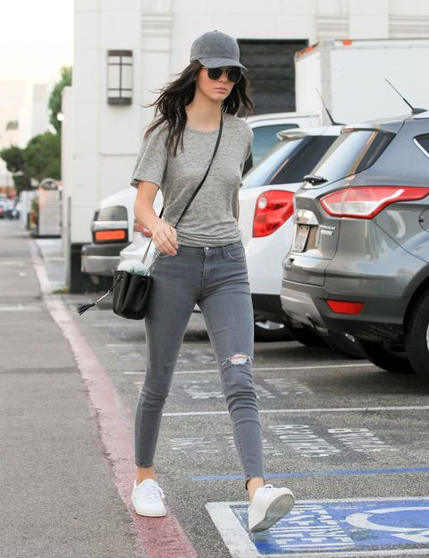 LOS ANGELES, CA - OCTOBER 23: Kendall Jenner is seen on October 23, 2015 in Los Angeles, California.  (Photo by Bauer-Griffin/GC Images)
