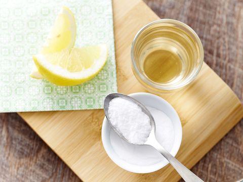 reputable site 41289 1d141 Acqua, limone e bicarbonato: proprietà e benefici