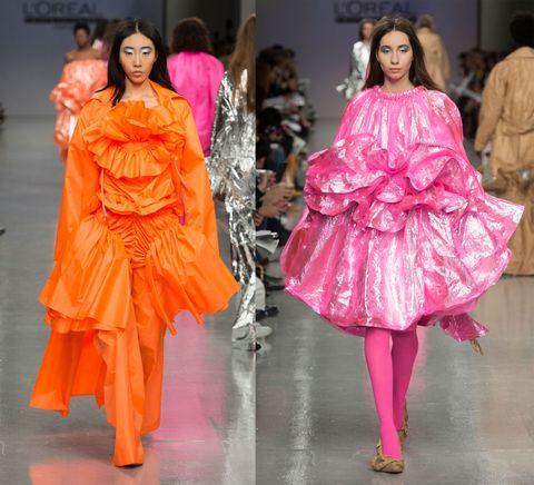 Dalla London Fashion Week cresce la tendenza del C'era una Volta: una moda immaginifica e surreale ispirata dalle favole per bambine e dai personaggi che abbiamo amato (e che forse amiamo ancora) come unicorni, Mio Mini Pony e Hello Kitty. Non manca neppure la tuta pigiama e la mantella trapuntata a fiori, calda e soffice come una copertina da divano. Più cosy di così!