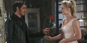 Primo appuntamento fra Uncino ed Emma