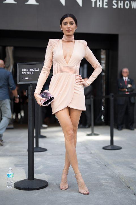 8dbfdfdad496 anche a una vesta di 18 anni puoi indossare un abitino sexy