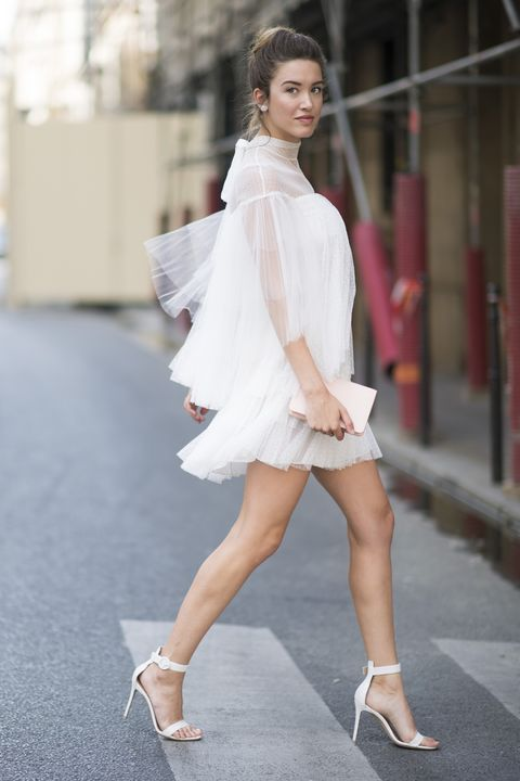 3937e1a4dcb2 Guarda i vestiti per i 18 anni belli e eleganti lunghi o corti da indossare  per