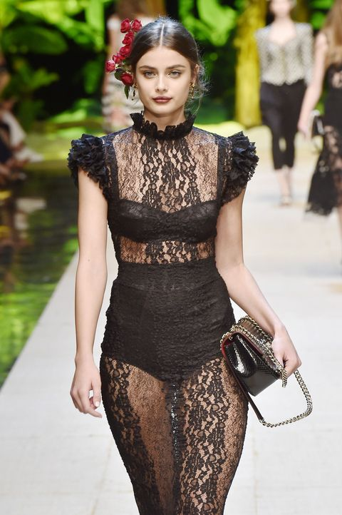 MILAN, ITALY - SEPTEMBER 25:  Model Taylor Hill walks the runway at the Dolce & Gabbana Spring Summer 2017 fashion show during Milan Fashion Week on September 25, 2016 in Milan, Italy.  (Photo by Catwalking/Getty Images)
