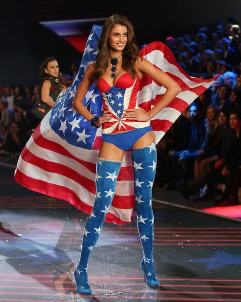NEW YORK, NY - NOVEMBER 10:  Model Taylor Hill walks the runway during the 2015 Victoria's Secret Fashion Show at Lexington Avenue Armory on November 10, 2015 in New York City.  (Photo by Taylor Hill/Getty Images)