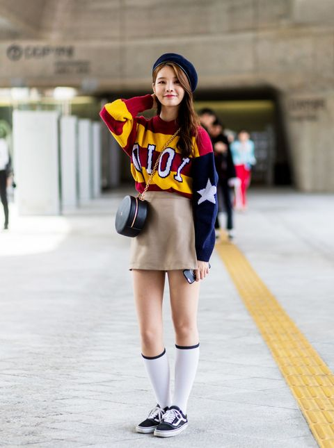 La minigonna, che sia corta o cortissima, è un cruccio anche per chi ha gambe magre e snelle: in 10 piccole regole e 2 avvertimenti potrai aggirare l'ostacolo