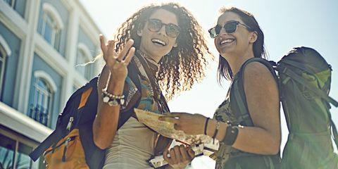 Guarda i borsoni da viaggio perfetti e scegli quello migliore e più alla moda per le tue vacanze per l'estate 2017