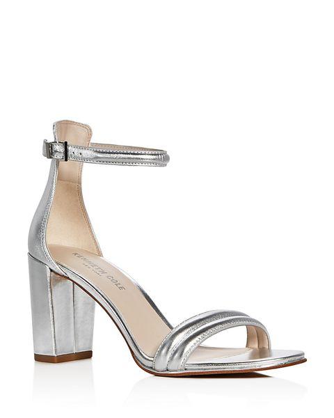 3053a0ea8b9be Sandali argento  le tendenze moda estate 2017