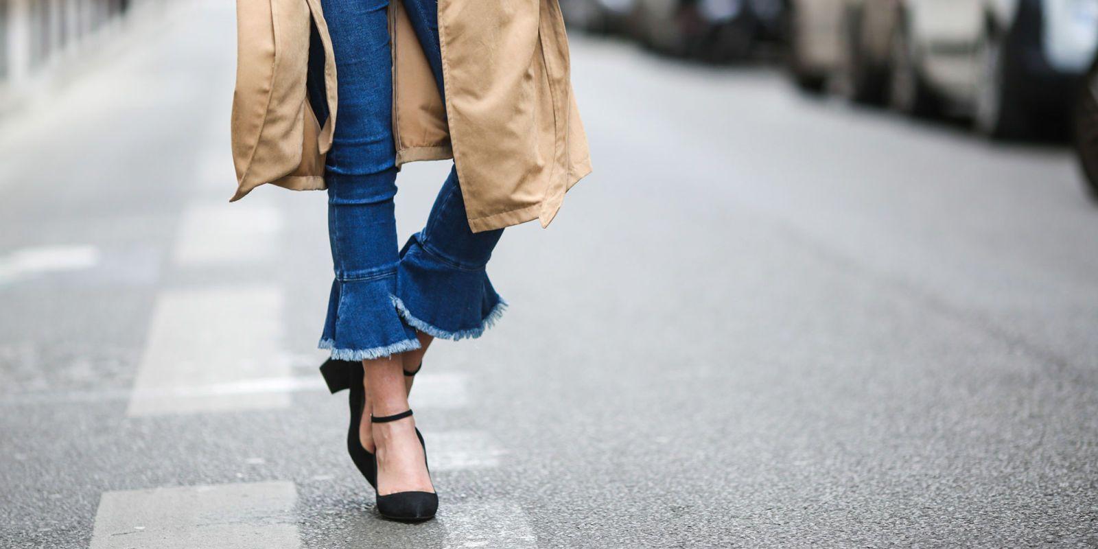 Super Cropped flare jeans: 8 cose da sapere per indossarli AV76