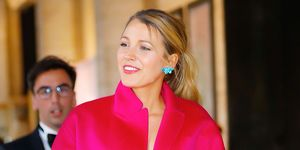 blake lively outfit fluo