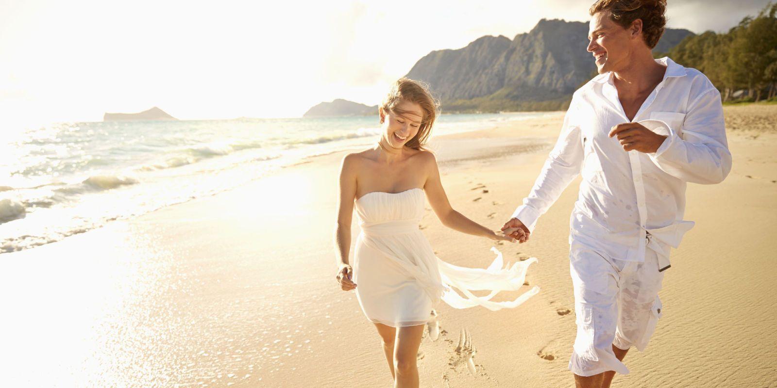 Matrimonio In Spiaggia Vestito Da Sposa : Matrimonio in spiaggia abiti da sposa per celebrare in
