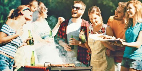 Il picnic diventa très chic: è l'ultima tendenza glam in fatto di scampagnate e puoi organizzarlo praticamente dappertutto! Scopri come con le idee di Cosmo.
