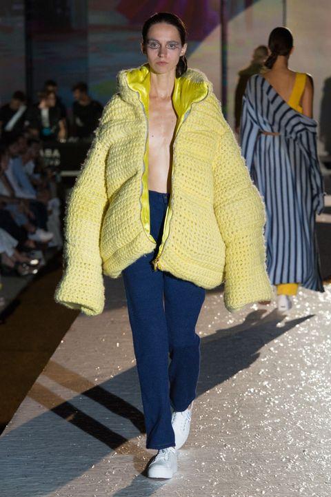 Sogni di diventare stilista di moda? Guarda le sfilate di fine corso delle scuole di moda più importanti per decidere definitivamente che questa è la strada giusta per te