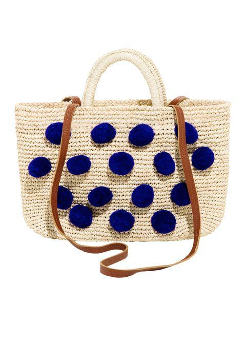 Le borse di paglia sono borse estive, sono capienti, esotiche e super folk: usale anche in città non solo per andare in spiaggia.