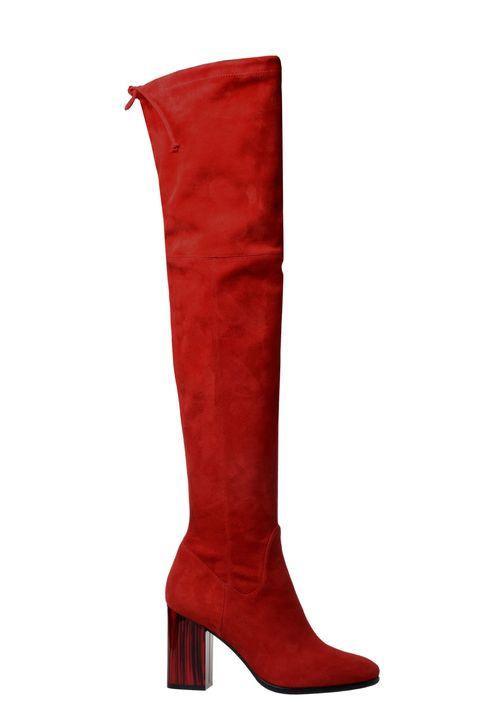 Gli stivali alti rossi sono il tuo prossimo paio di stivali sopra il ginocchio del desiderio: avvistati sulle passerelle delle quattro capitali della moda, sono praticamente irresistibili.