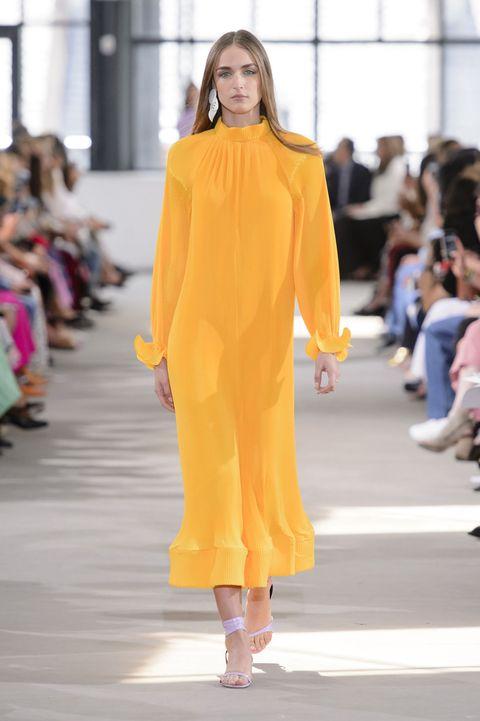 51aa7c8fa8d0 Indossare abiti corti e lunghi nella calda brezza d estate è una di quelle  belle