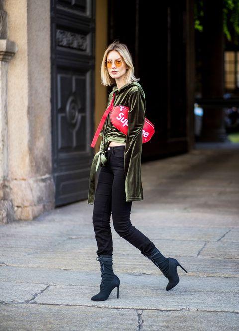 8 abbinamenti a cui non penseresti per indossare con disinvoltura la borsa di stagione, il marsupio donna sdoganato da Gucci e Supreme.