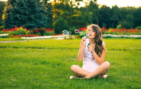 Grass, People in nature, Summer, Sunlight, Garden, Sitting, Knee, Spring, Grass family, Photography,