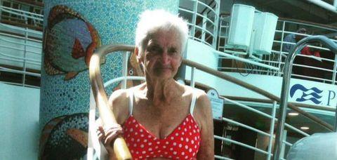 憧れちゃう!ビキニ姿が素敵な90歳のおばあちゃん