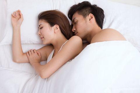 Ear, Comfort, Skin, Shoulder, Textile, Photograph, Elbow, Linens, Bedding, Interaction,