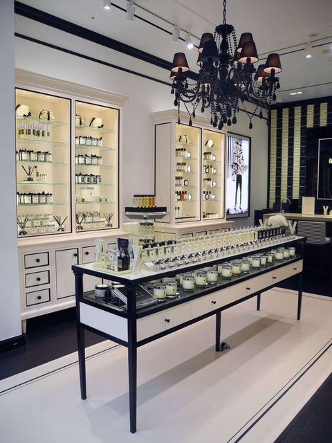 Lighting, Interior design, Ceiling, Light fixture, Interior design, Ceiling fixture, Display case, Chandelier, Collection, Electricity,