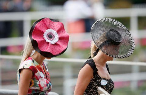 豪華絢爛!英ロイヤルアスコットの帽子ギャラリー