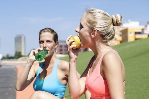 専門家に聞く!マラソン前後にベストな食事って?