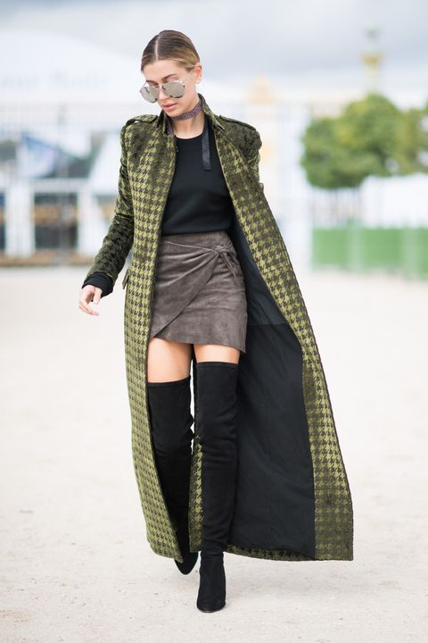 Clothing, Sleeve, Textile, Joint, Outerwear, Winter, Style, Street fashion, Knee, Fashion model,