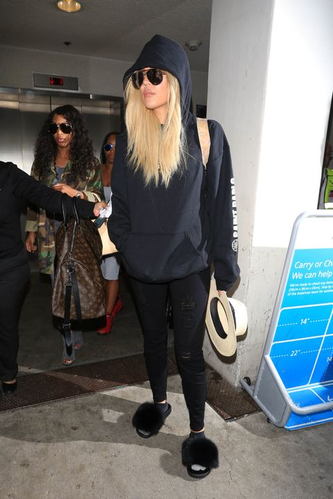LOS ANGELES, CA - SEPTEMBER 22: Khloe Kardashian is seen at LAX on September 22, 2016 in Los Angeles, California.  (Photo by starzfly/Bauer-Griffin/GC Images)