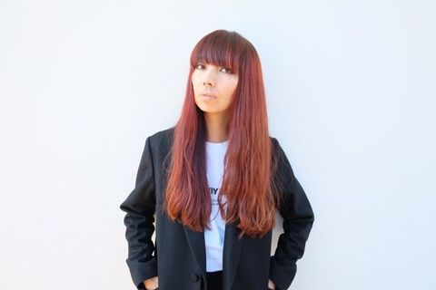 Brown, Hairstyle, Sleeve, Shoulder, Style, Collar, Bangs, Red hair, Step cutting, Blazer,